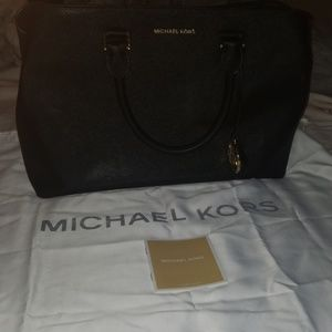 Michael Kors plus dust bag and carecard